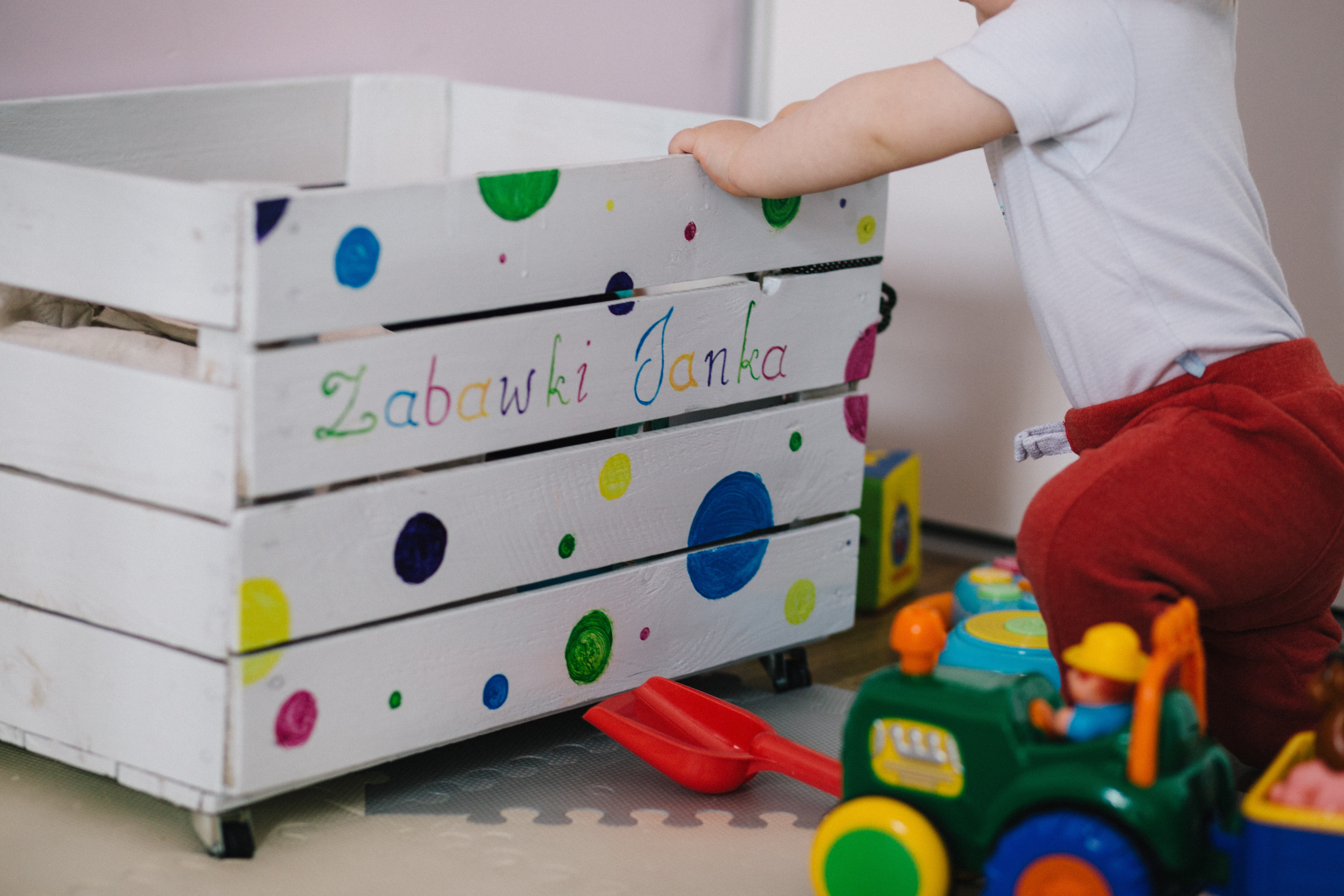 baby-child-container-437746